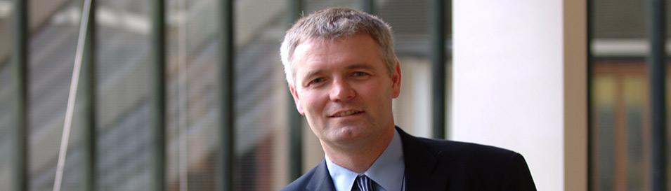 Ian MacNaughton